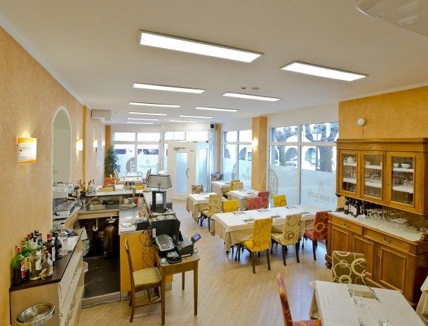 hotel-lago-colico-comomeer-restaurant-overzicht.jpg
