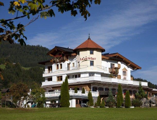 hotel-leamwirt-hopfgarten-tirol-zomer-oostenrijk.jpg