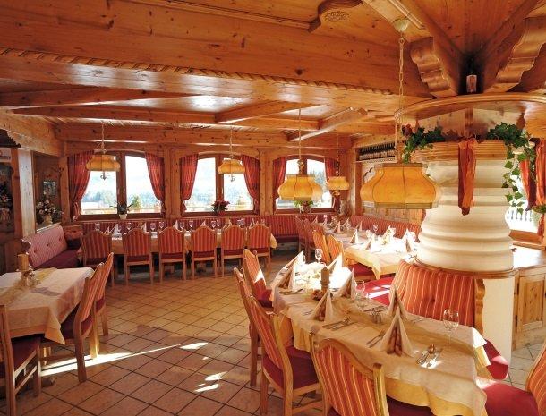 hotel-leamwirt-hopfgarten-tirol-restaurant.jpg