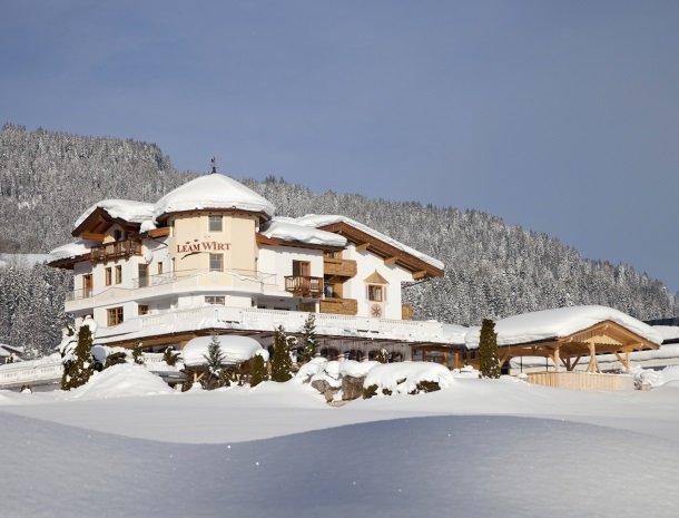 hotel-leamwirt-hopfgarten-tirol-winter-oostenrijk.jpg