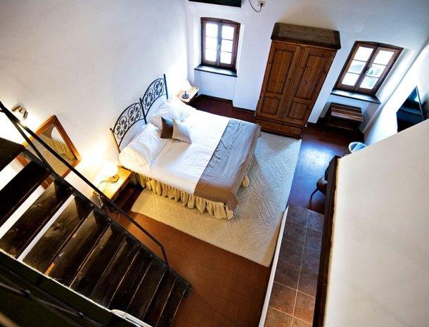 albergo-del-chianti-greve-slaapkamer-bed-bovenaanzicht.jpg