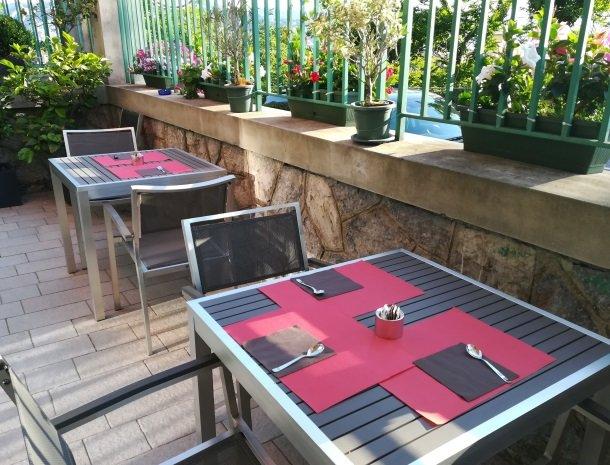 viadelle5terre-la-spezia-ligurie-ontbijt-terras.jpg