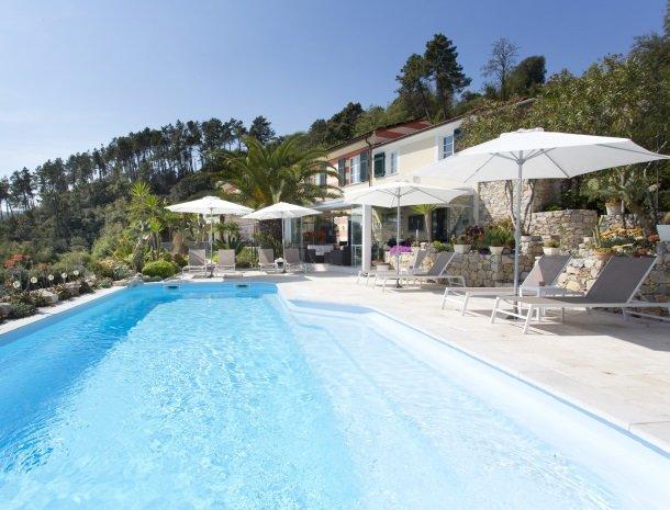 villa-amaranta-la-spezia-zwembad-huis.jpg
