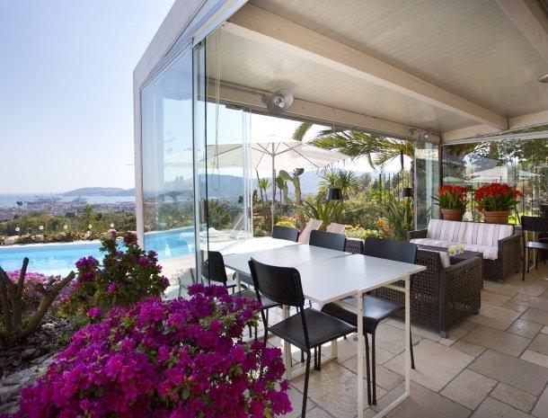 villa-amaranta-la-spezia-veranda.jpg