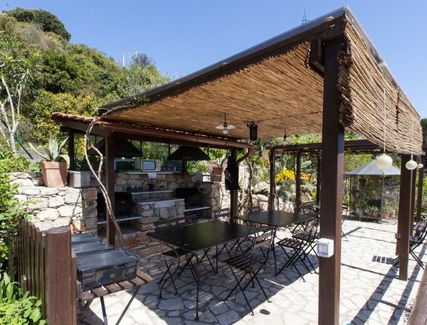 villa-amaranta-la-spezia-barbecue.jpg