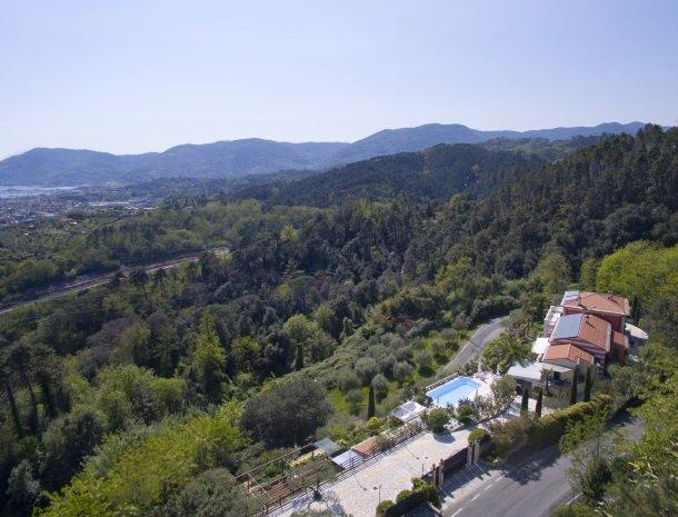 villa-amaranta-la-spezia-ligging-heuvels.jpg