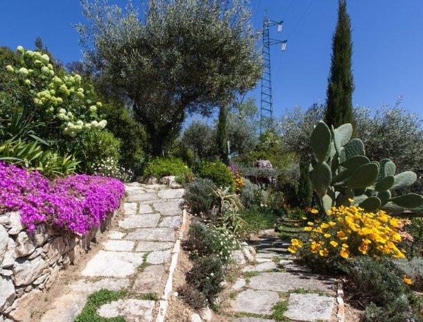 villa-amaranta-la-spezia-mediterrane-tuin.jpg
