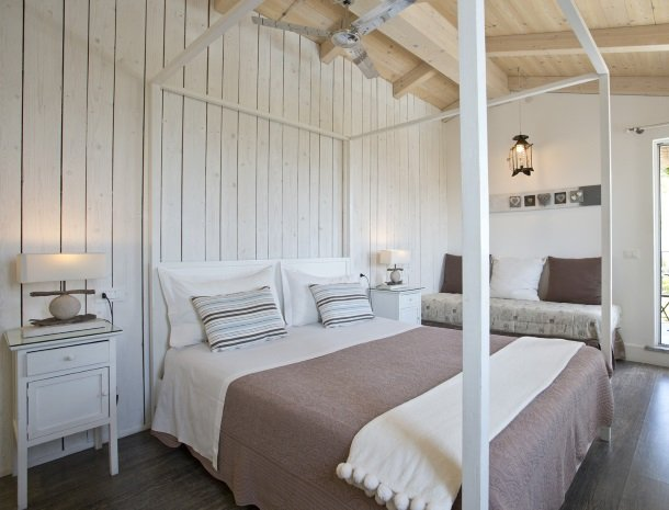villa-amaranta-la-spezia-slaapkamer-romantisch.jpg