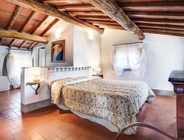 relais-del-lago-capannori-lucca-slaapkamer-deluxe.jpg