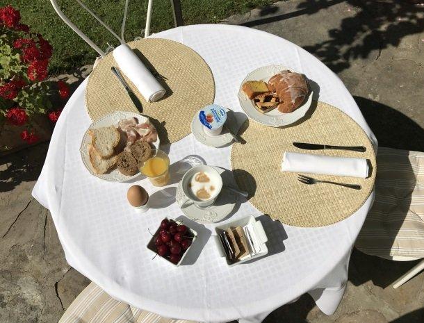 relais-del-lago-capannori-lucca-ontbijt.jpg