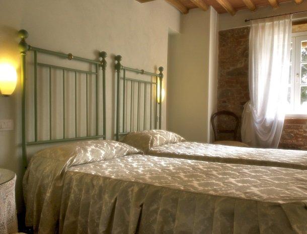 relais-del-lago-capannori-lucca-slaapkamer-ilaria.jpg