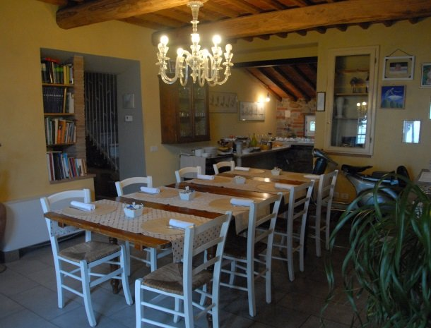 relais-del-lago-capannori-lucca-ontbijt-binnen.jpg