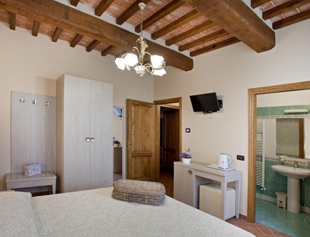 tenuta-san-giovanni-lucca-appartement-lavanda-slaapkamer.jpg
