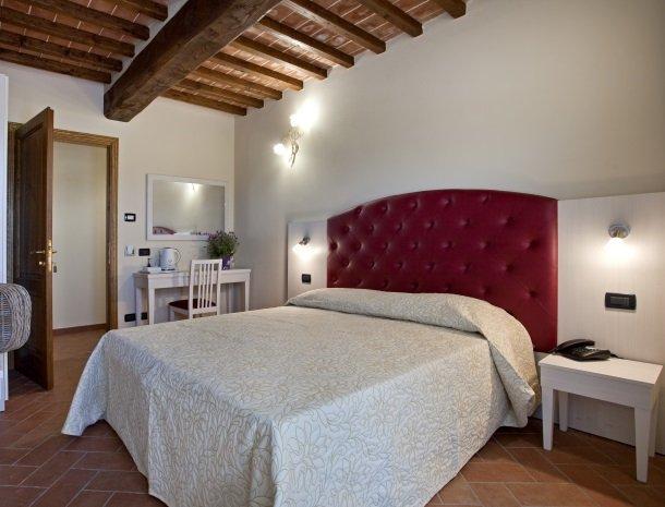 tenuta-san-giovanni-lucca-appartement-arancia-slaapkamer.jpg
