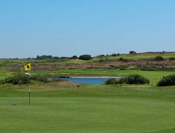 golfbaan-hole-sicilie.jpg