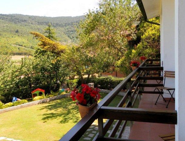 hotel-il-caminetto-portoferaio-kamer-balkon-tuin.jpg