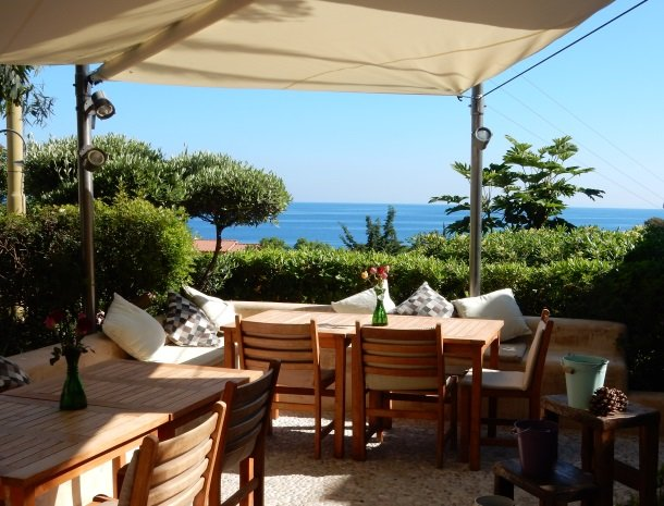 hotel-cernia-sant-andrea-elba-terras-zee.jpg
