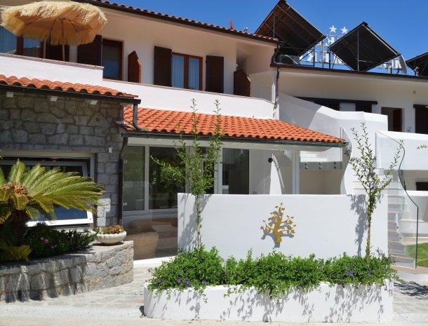 hotel-montemerlo-fetovaia-elba-ingang.jpg