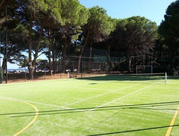 fetovaia-tennisbaan.jpg