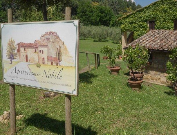agriturismo-nobile-montepulciano-toegangsbord.jpg