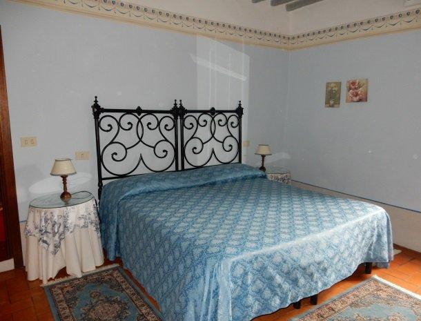 agriturismo-nobile-montepulciano-kamer-blauw.jpg