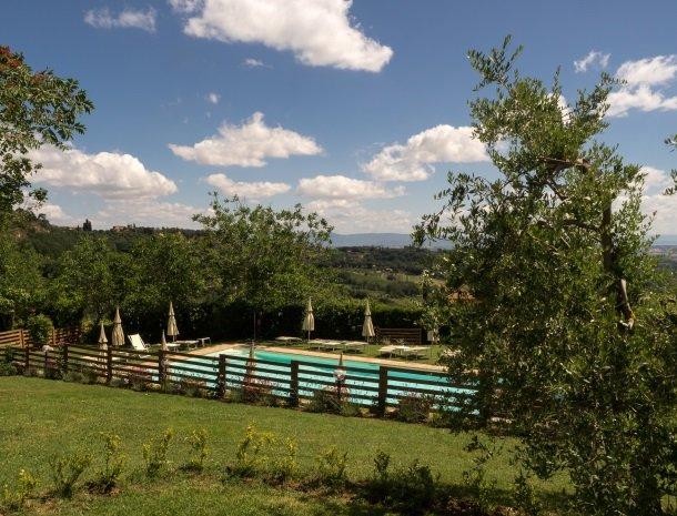 agriturismo-nobile-montepulciano-zwembad-ligging.jpg