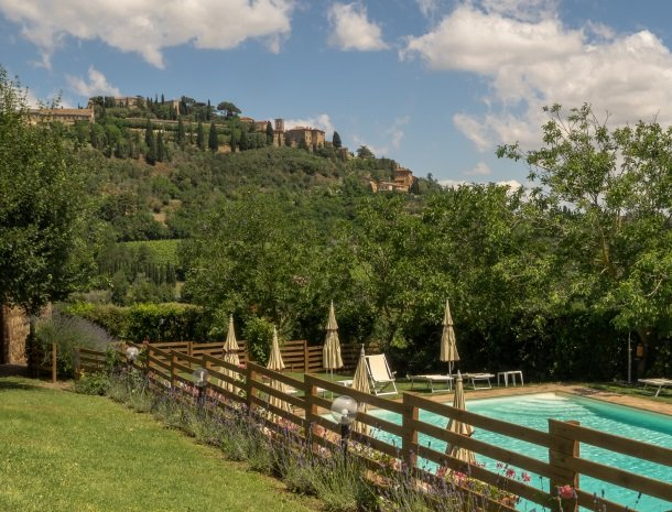 agriturismo-nobile-montepulciano-zwembad-stad.jpg