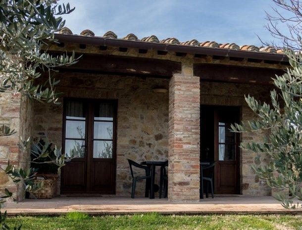 agriturismo-nobile-montepulciano-toscane-appartement-fienile-terras.jpg