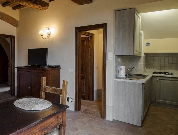 agriturismo-nobile-montepulciano-toscane-appartement-cantina-keuken.jpg