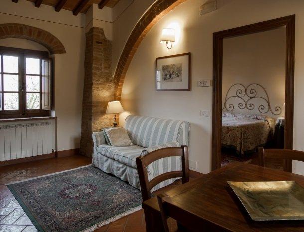 agriturismo-nobile-montepulciano-toscane-appartement-loggia-bank.jpg