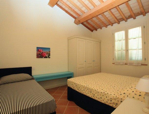 agriturismo-campallegro-cecina-appartement-ilturchese-slaapkamer.jpg