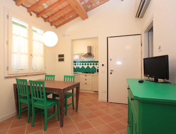 agriturismo-campallegro-cecina-appartement-smeraldo-keuken.jpg