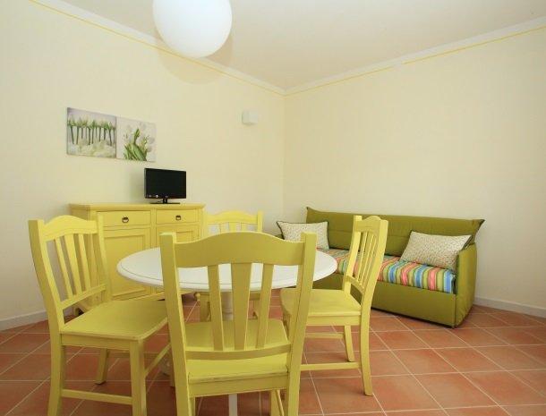 agriturismo-campallegro-cecina-appartement-laginestra-slaapbank.jpg