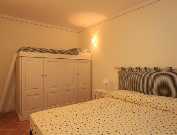 agriturismo-campallegro-cecina-appartement-lapervinca-slaapkamer.jpg