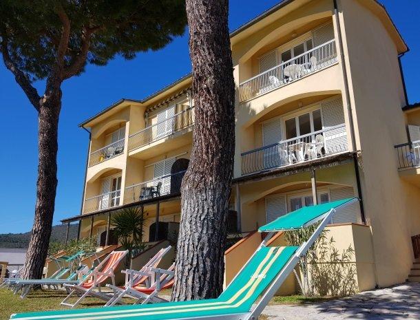 residence-minihotel-lacona-appartementen-pijnboom.jpg