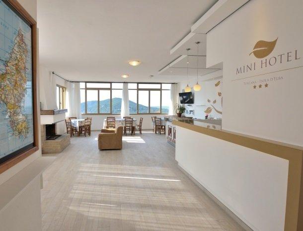 residence-minihotel-lacona-appartementen-bar.jpg