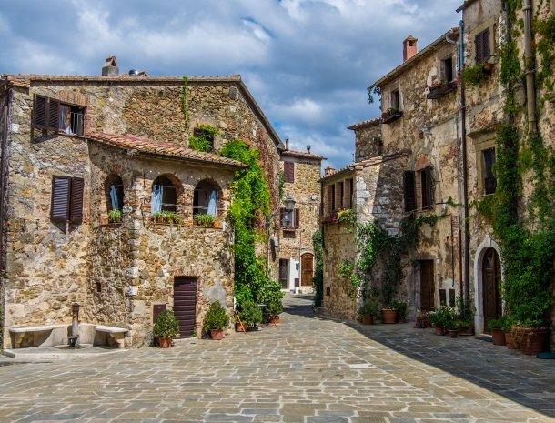 montemerano-toscane.jpg