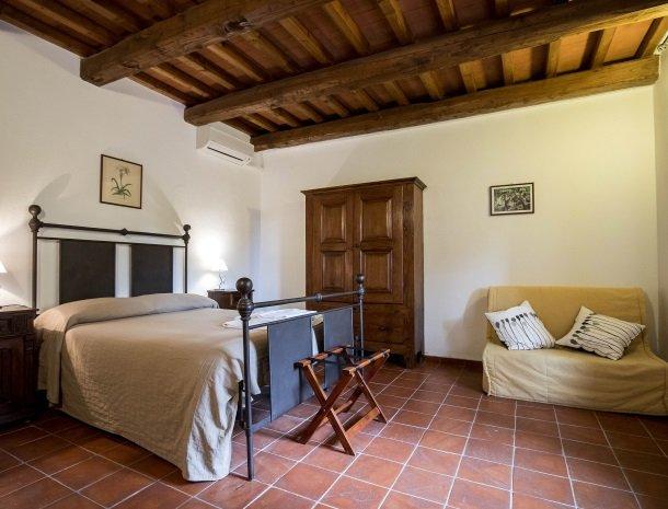 agriturismo-podere-santa-croce-toscane-kamer-standaard-extra-bed.jpg
