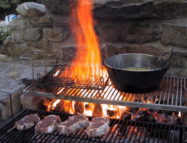 agriturismo-il-ghiaccio-suvereto-barbecue.jpg