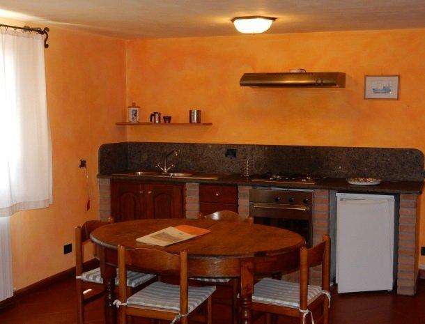 agriturismo-il-ghiaccio-suvereto-appartement-keuken.jpg