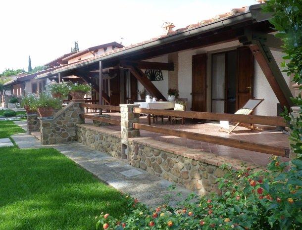 agriturismo-la-rombaia-castiglione-della-pescaia-appartement-cuccia-terras.jpg