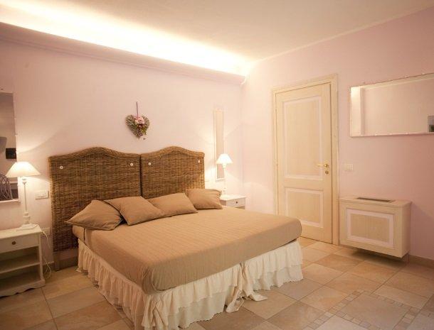 agriturismo-la-cianella-maremma-slaapkamer-romantisch.jpg