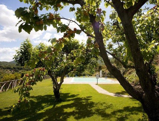 agriturismo-la-cianella-maremma-zwembad.jpg