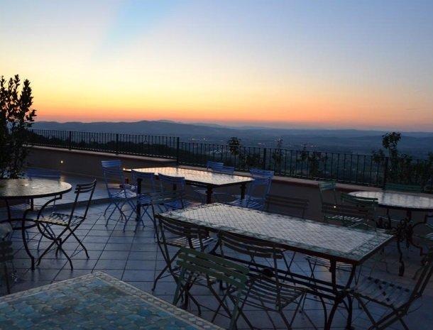 agriturismo-la-cianella-maremma-terras-zonsondergang.jpg