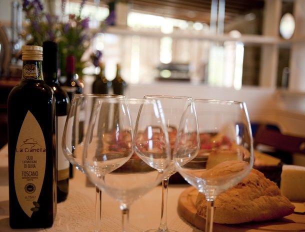 agriturismo-la-cianella-maremma-olijfolie-wijn.jpg