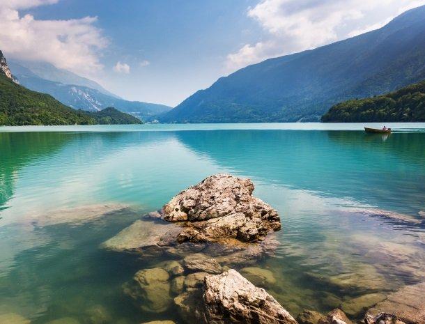 lago di molveno.jpg