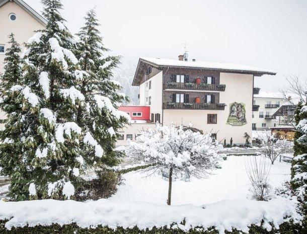 hotel-zur-post-dobriach-winter.jpg
