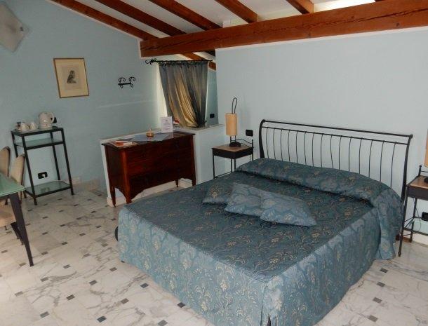 relais-le-ville-ligurie-la-spezia-slaapkamer-suite.jpg