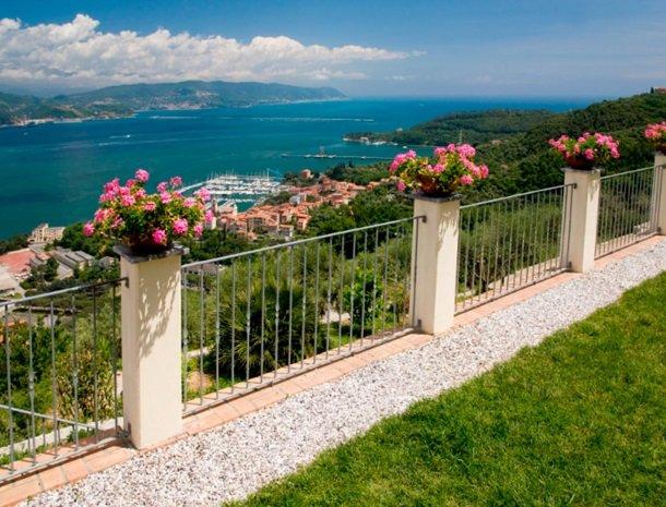 relais-le-ville-ligurie-la-spezia-terras-uitzicht.jpg