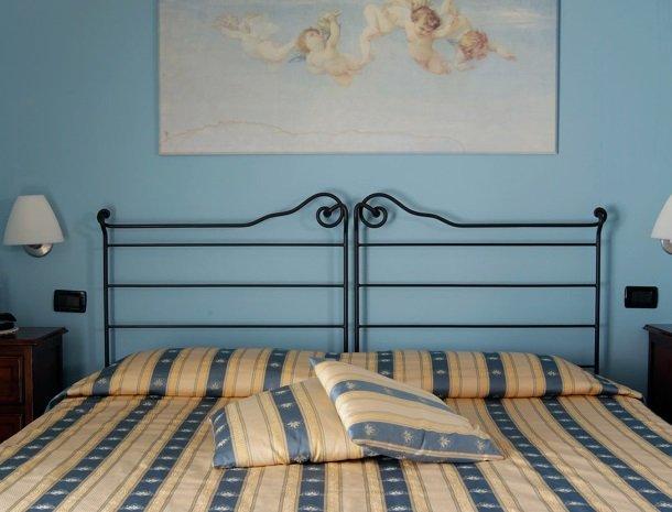 relais-le-ville-ligurie-la-spezia-slaapkamer-detail.jpg